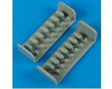 QUICKBOOST 1/72   B17 Oxygen Cylinders   QUB72356
