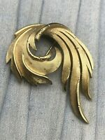 Trifari Brooch Gold Tone Swirl Feather Geometric Vintage Costume Jewellery
