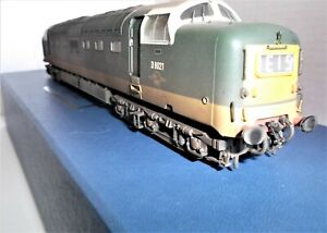 BACHMANN DELTIC CLASS 55 DIESEL LOCO IN BR WEATHERED TWO TONE GREEN LTD EDITION