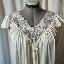 b1bd5e240c Vintage Miss Elaine Petite Nightgown Ivory Negligee Nylon 80 s