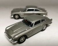 2PCS USED 1/43 Hotwheels GOLDFINGER 007 JAMES BOND Aston Martin Silver Car Model