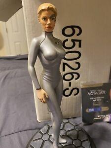 Jeri Ryan SEVEN OF NINE Star Trek Voyager LATINUM Statue Figure w/COA 1 of 2500