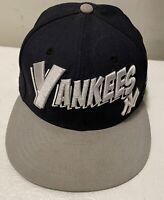 New Era 9Fifty New York Yankees Snapback Hat (Black/Gray) Adjustable Unisex  Cap