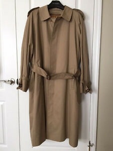 GORGEOUS Calssic Burberry London Trench Coat Made in England Size 52 RARE!!!