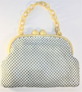 pill case No,2 beads purse gift for her gorgeous white purse little frame purse coin purse tiny purse with frame white purse