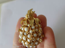 VINTAGE LUXURY FASHION JEWELRY MAXIM PINEAPPLE HEAVY  PIN BROOCH RHINESTONE