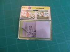 VINTAGE AIRFIX PACK No1615-9 LEVEL CROSSING KIT OO GAUGE HO FOR HORNBY LAYOUTS