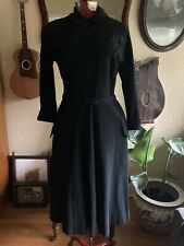 VINTAGE 1950s LESLIE FAY BLACK WOOL SHIRT DRESS EMBROIDERED ARROWS POCKETS M