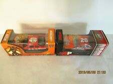 TONY STEWART NASCAR 1:64 SCALE 2 CARS 44 TOY SOLDIERS & 20 HOME DEPOT NEW IN BOX