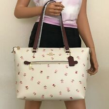 Coach Gallery Tote Bag Heart Floral Print C3242 Chalk Multi