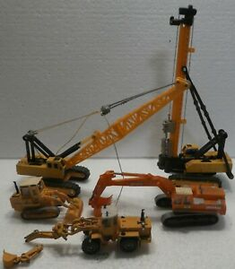 ONE LOT OF HO SCALE EARTH MOVING MACHINES SOME KIBRI