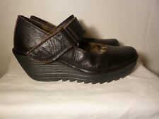 LADIES 'FLY LONDON' BLACK LEATHER SHOES - SIZE 6