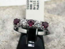 Anillos de joyería con diamantes brillantes rubí