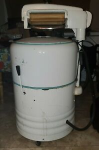 Vintage 1950s Westinghouse Electric Wringer Washer Near Mint (runs and drains)
