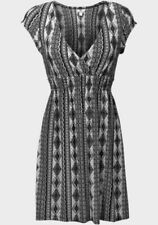 V-Neck Geometric Dresses for Women with Cap Sleeve