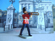 Vintage Kellogg's Guards bandsman playing trombone 1:32 painted