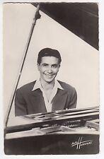 GILBERT BÉCAUD Acteur chanteur compositeur français Photo Harcourt Ed. P.I. RPPC