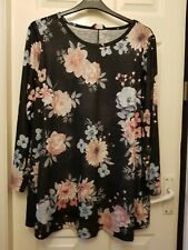 BRAND NEW Yours Clothing Black Floral Swing Top - Size 18