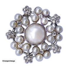 100 x Vintage Pearl Wedding Invitation Cluster Embellishment Brooch