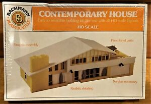 Bachmann Contemporary House 2932 HO Scale Mid Century Modern SEALED New in Box