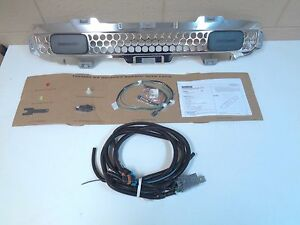 HUMMER H3/H3T 19132765 OFF ROAD FRONT LOWER GRILLE ASSY W/LIGHTS/WIRING (CHROME)