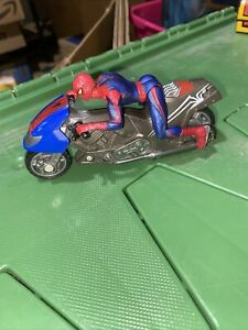 2012 Hasbro The Amazing Spider-Man Zoom N Go Spider Cycle W/Spider Man