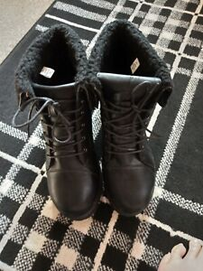 Yours Wide Fit Size 9 Black Faux Fur Toped Lace Up Block Heel Boots