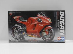 1:12 Ducati Desmosedici Tamiya 14101