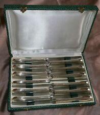 Coffret 12 couteaux à fromage métal argenté - Décor frise palmettes style Empire