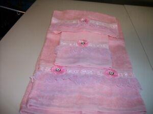 3PC ALLOVER PINK BATH TOWEL SETS