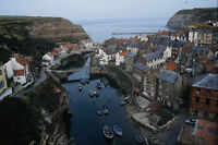 625093 Staithes Fishing Village Yorkshire A4 Photo Print