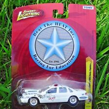 Beat The Heat 1995 Chevy Caprice Police. Johnny Lightning. NEW in Blister Pack!