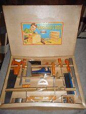 """jouet gégé   """" LE CHARPENTIER  """"  boite export  55 cm x 40 cm bon état MAIS ..."""