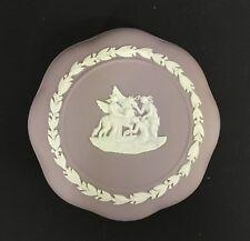 Beautiful Wedgwood White on Lilac Jasperware Round Scalloped Covered Box