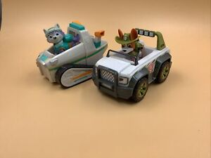 Paw Patrol Tracker And Everest Figures And Vehicles