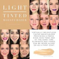 Color Correcting Tinted Moisturizer Light sample