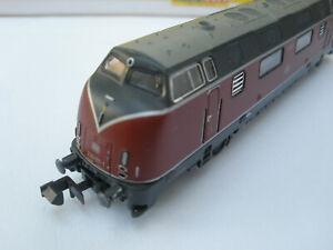 Diesel Lok BR V 220 von ROCO mit OVP