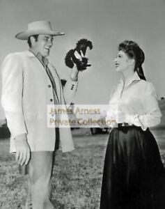 James Arness Gunsmoke Marshal Dillon With Amanda Blake Photo #050121