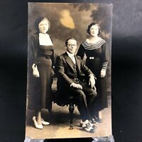 VTG RPPC Postcard c.1907 Father and Daughters Portrait Well Dressed Shoes Suit
