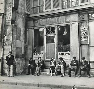 1955 Vintage STREET PEOPLE Pedicure Foot Nail Salon France ROBERT DOISNEAU 11x14