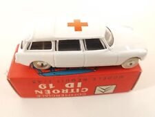 Quiralu n° 2815 CITROËN ID 19 Ambulance 1/43 neuf en boîte / boxed mint in box