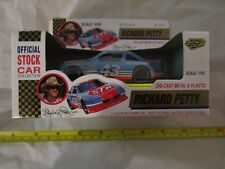 New Vintage Richard Petty Road Champs 1/43 Official Stock Car Collection