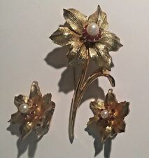 """VINTAGE BOUCHER """"NARCISSIS"""" BROOCH & CLIP EARRING SET ~ GOLD PLATED + NUMBERE"""