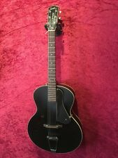 Godin 5th Avenue Acoustic Archtop in Black Finish