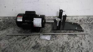 Dayton 32V135 1/2 HP 1725 RPM 115 to 230V 32 In Shaft L Drum Mixer