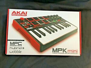 AKAI MPK MINI - MIDI - Compact Keyboard and Pad Controller - BOXED
