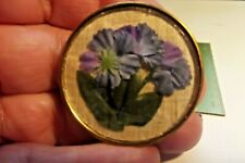 Lovely Flowers Under Glass Button (831)