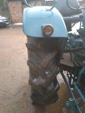 Schlepper Hanomag R324 S blau