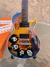 Kiss - Exclusive Mini Guitars / 1:4 Scale