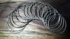BANGLES COSTUME JEWELRY LOT OF 20: SILVER AND GOLD COLORED
